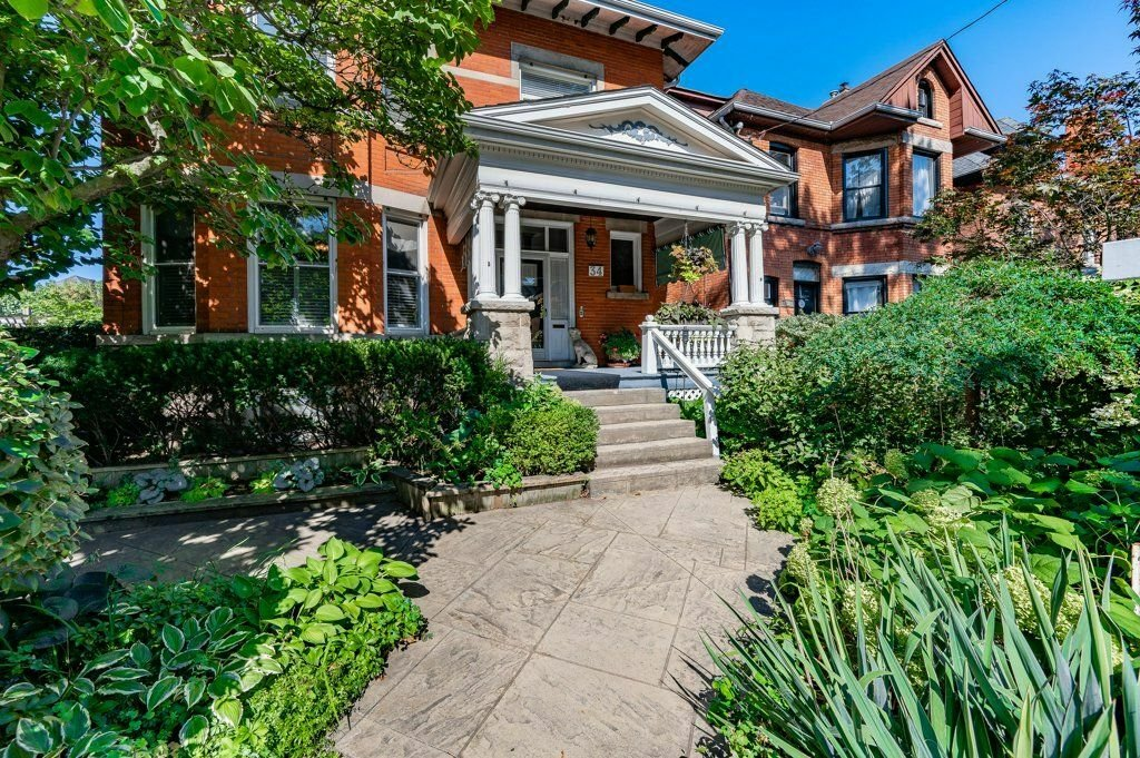 House in Hamilton, Ontario, Canada 1 - 11611104