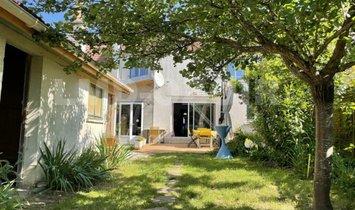 Дом в Феррьер-ан-Бри, Иль-де-Франс, Франция 1
