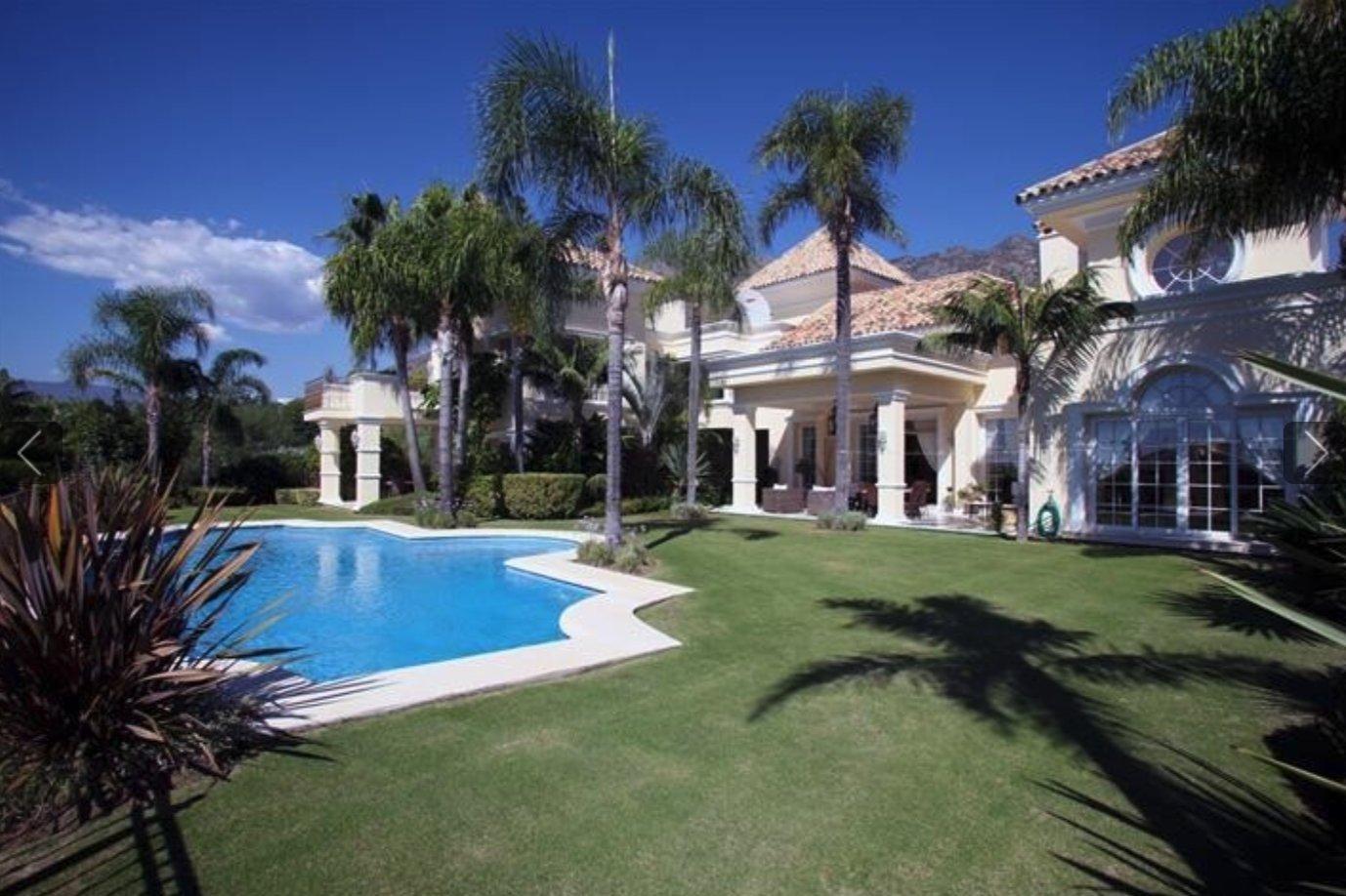 Villa in Marbella, Andalusia, Spain 1 - 11613329