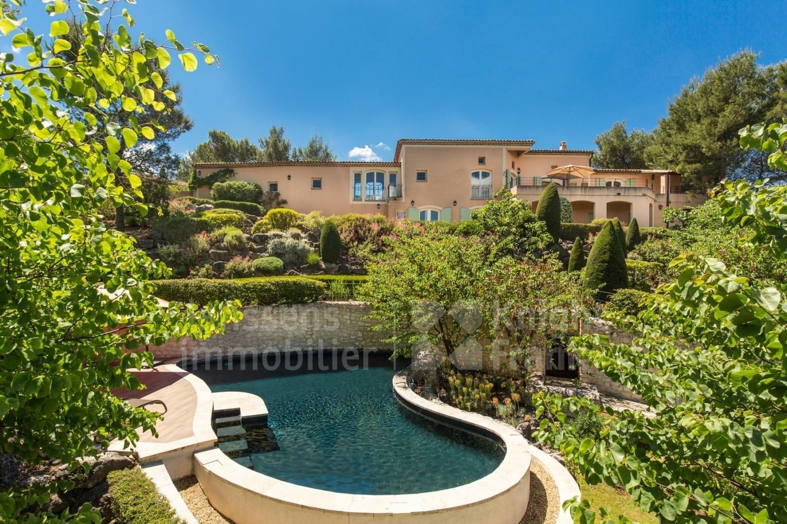 Villa in Mallemort, Provence-Alpes-Côte d'Azur, France 1 - 11486084