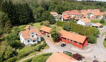 Дом в Кунгэльв, Вестра-Гёталанд, Швеция 1