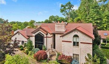 House in Mount Lebanon, Pennsylvania, United States 1