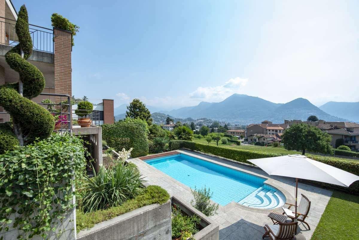 Villa in Lugano, Ticino, Switzerland 1 - 11616368