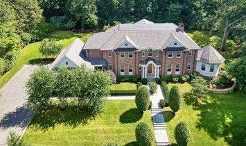 House in Brookline, Massachusetts, United States 1