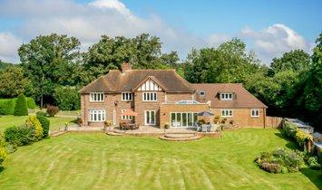 Дом в Крукхем Виллидж, Англия, Великобритания 1