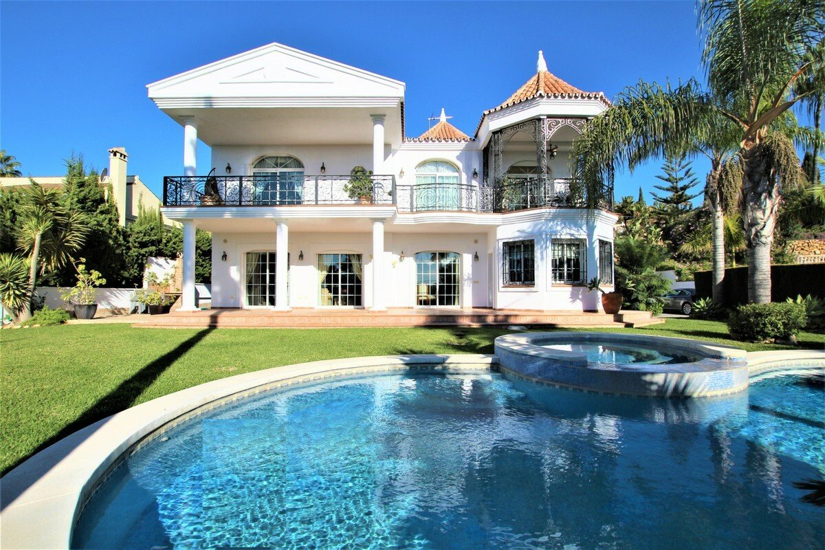Villa in Las Lagunas de Mijas, Andalusia, Spain 1 - 11284315