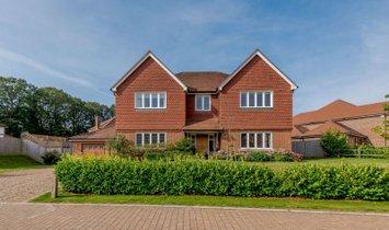 House in Cranleigh, England, United Kingdom 1