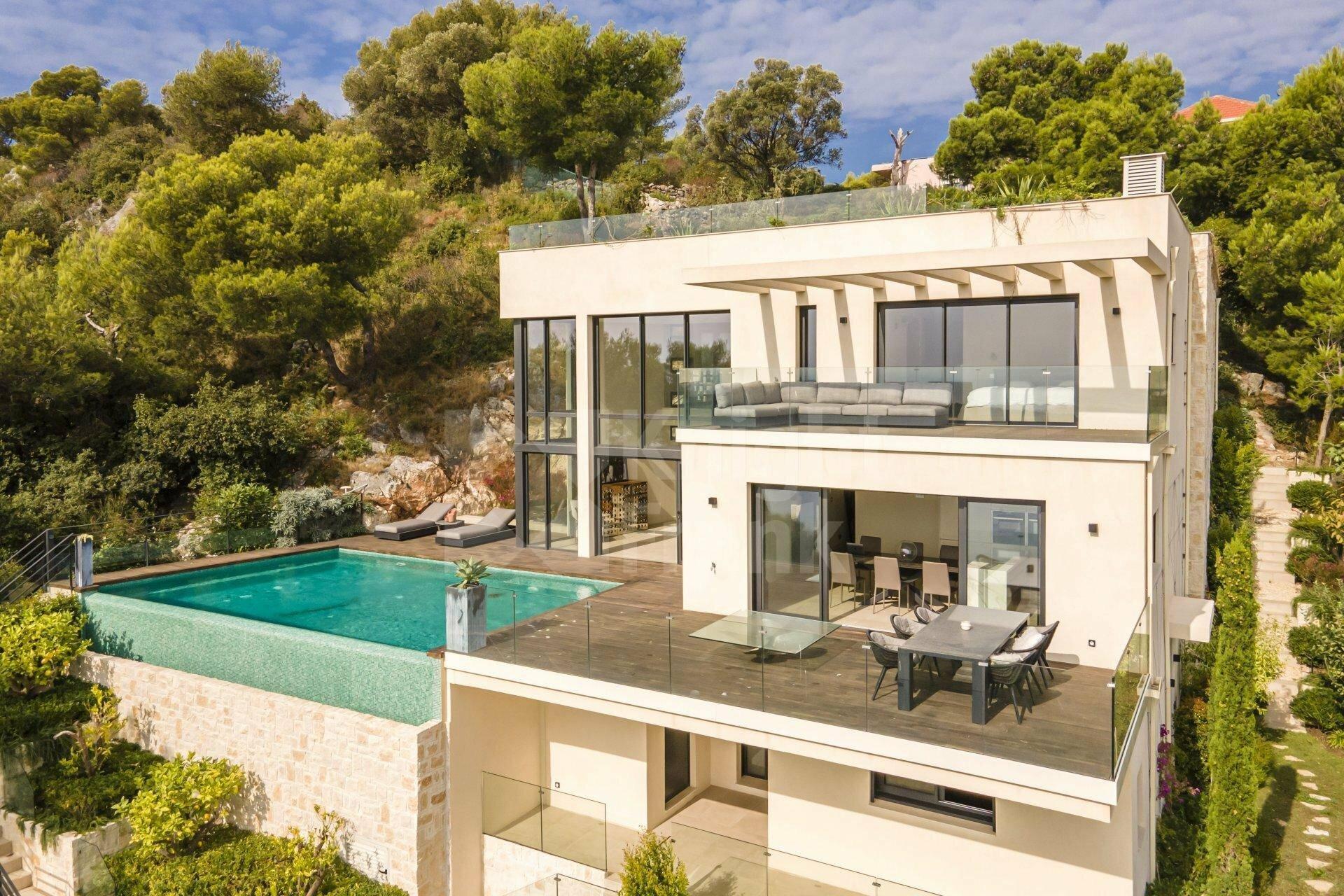Villa in Villefranche-sur-Mer, Provence-Alpes-Côte d'Azur, France 1 - 11503215