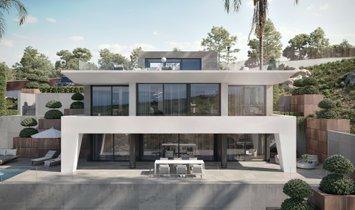 Villa in Puerto de la Duquesa, Andalusia, Spain 1