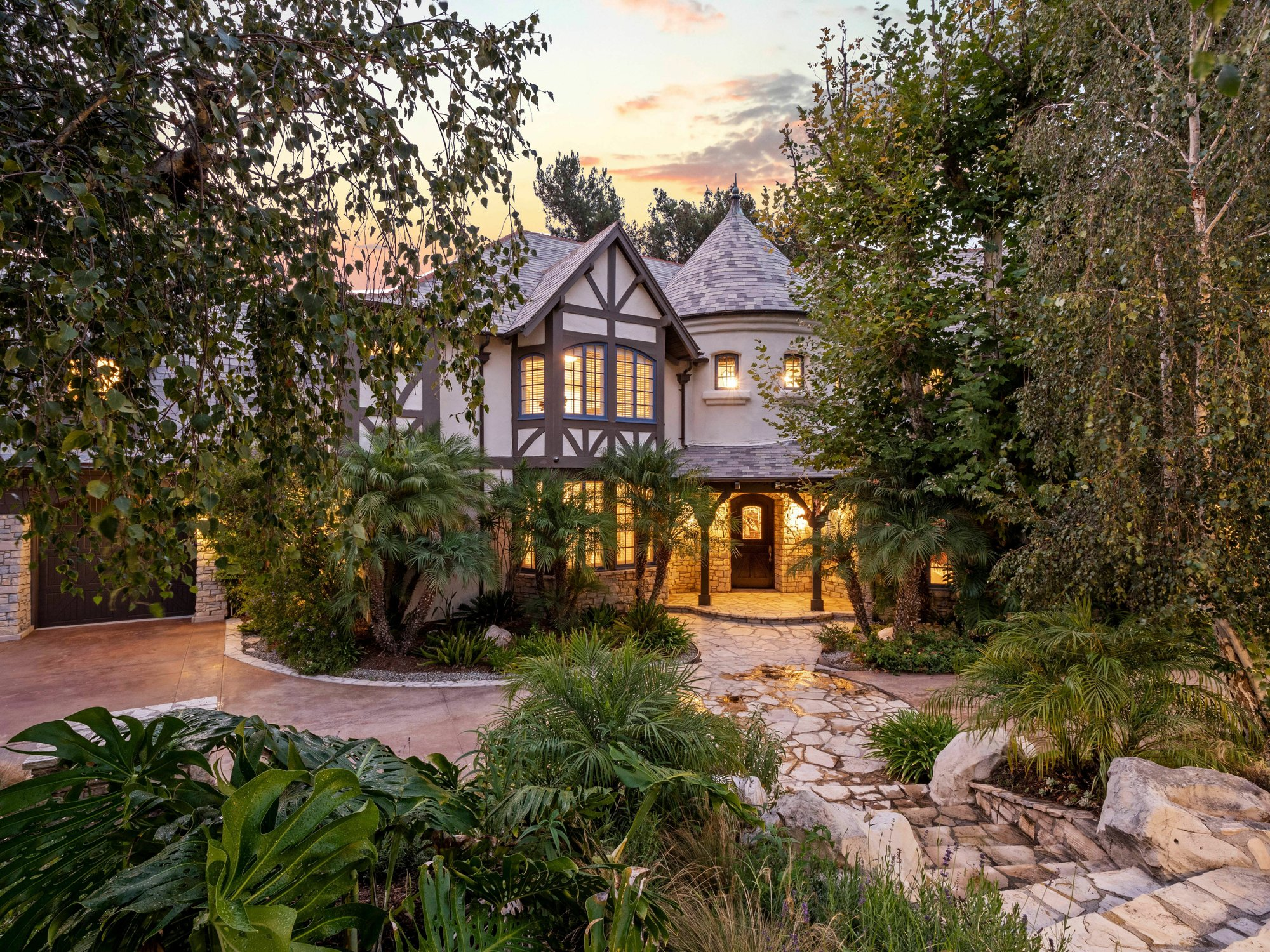 House in Los Angeles, California, United States 1 - 11599589