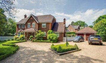 House in Farnham Common, England, United Kingdom 1