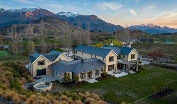 House in Queenstown, Otago, New Zealand 1