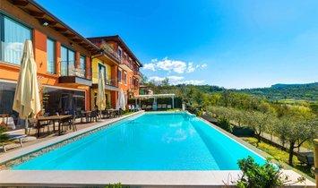 Villa in Costermano sul Garda, Veneto, Italy 1