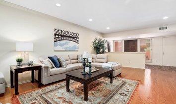 Apartment in Altadena, California, United States 1