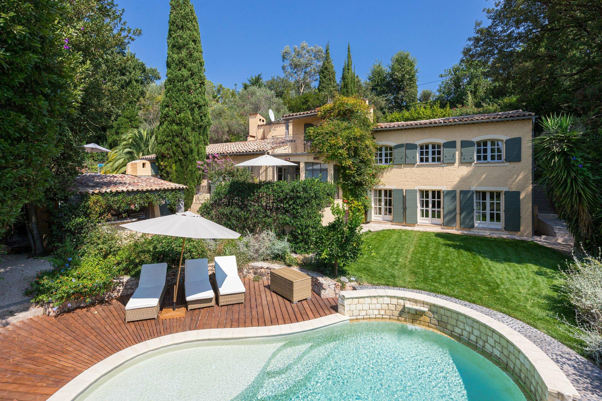 Villa in Mougins, Provence-Alpes-Côte d'Azur, France 1 - 10753099