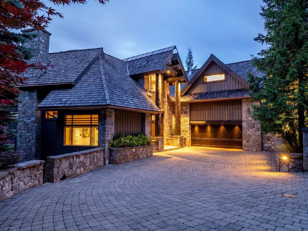 House in Whistler, British Columbia, Canada 1 - 11640864