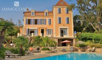 House in Carqueiranne, Provence-Alpes-Côte d'Azur, France 1