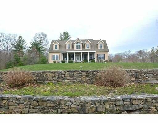 House in Uxbridge, Massachusetts, United States 1 - 11545011