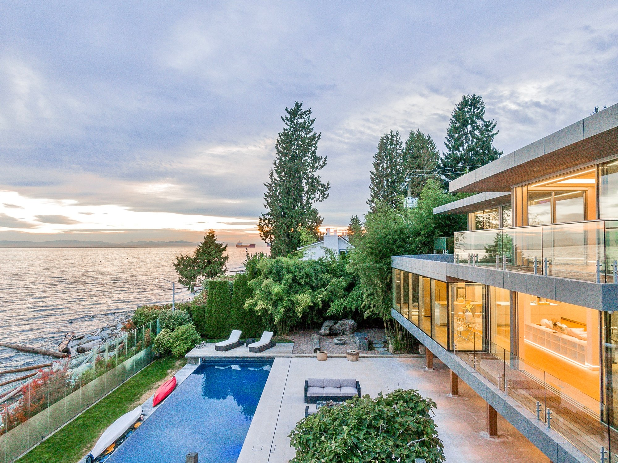 House in West Vancouver, British Columbia, Canada 1 - 11651463
