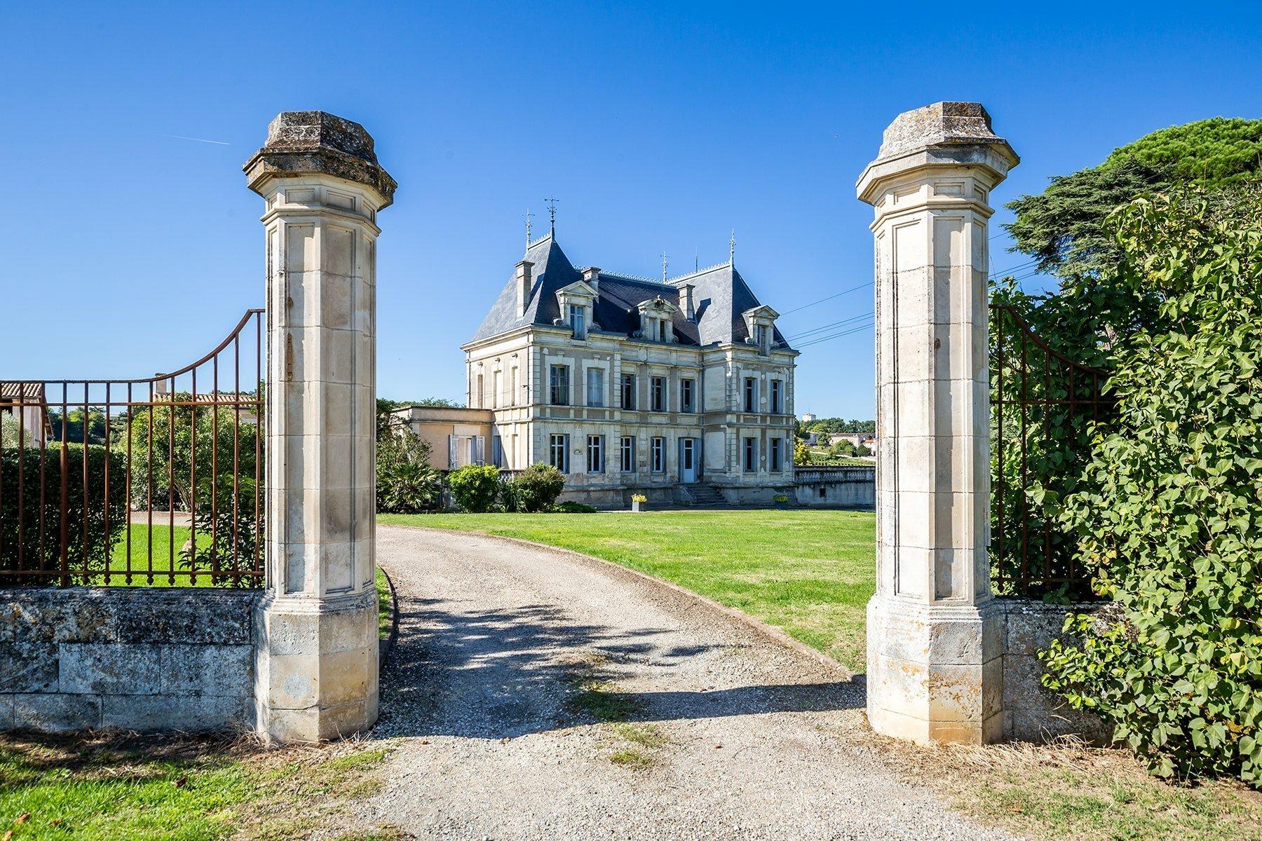 House in Bordeaux, Nouvelle-Aquitaine, France 1 - 11651741