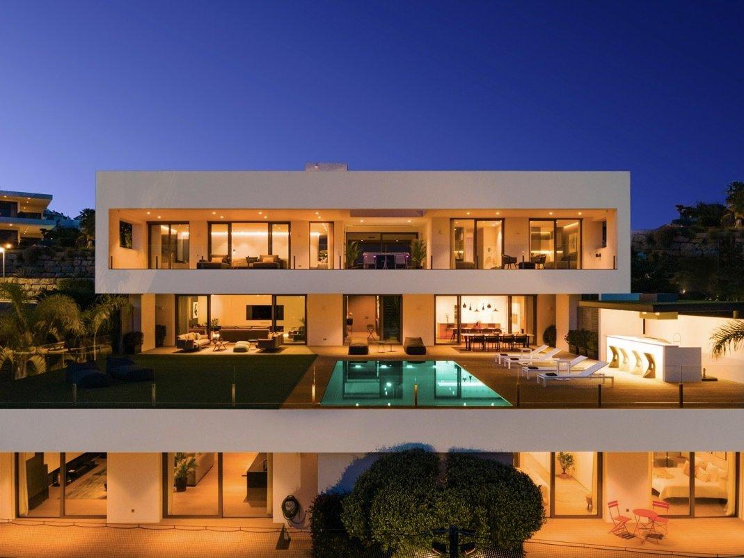 Villa in Benahavís, Andalusia, Spain 1 - 11654070