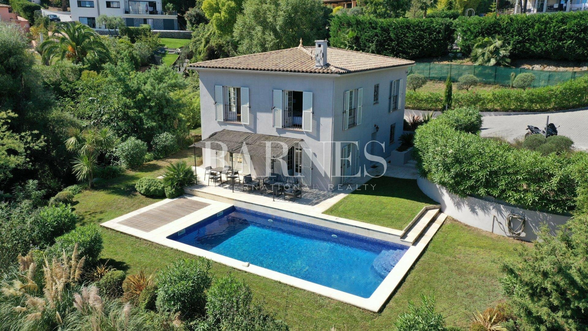 Villa in Vallauris, Provence-Alpes-Côte d'Azur, France 1 - 11586305