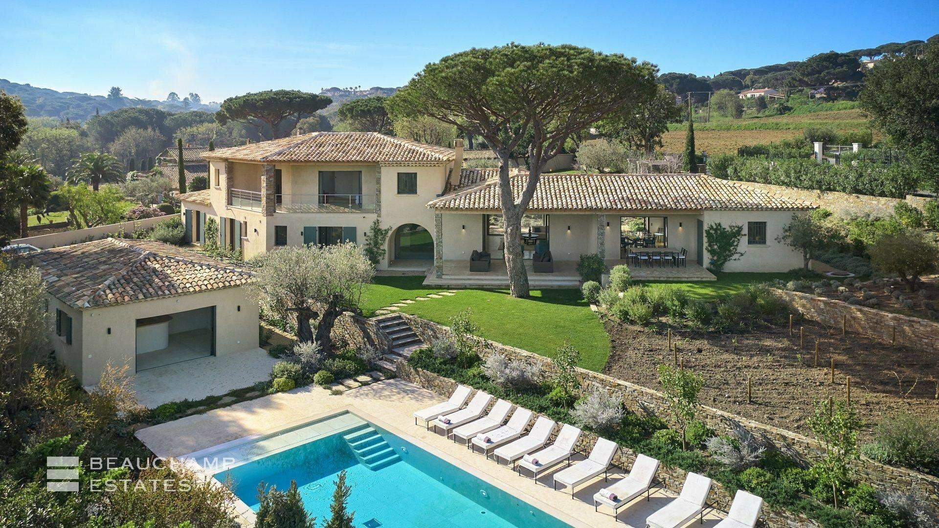 Villa in Saint-Tropez, Provence-Alpes-Côte d'Azur, France 1 - 11597813