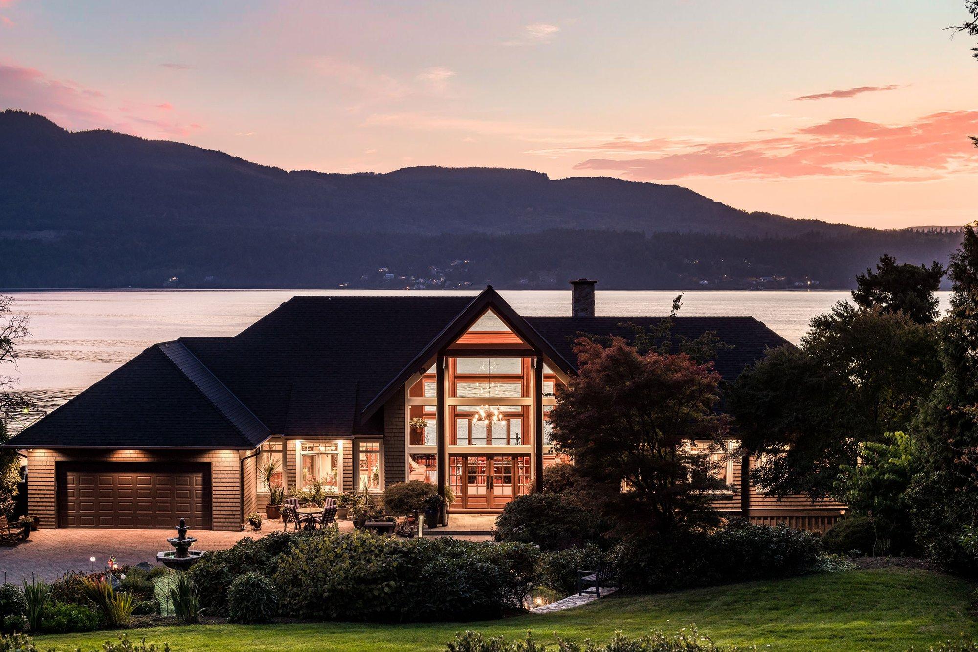 House in Saanichton, British Columbia, Canada 1 - 11663565